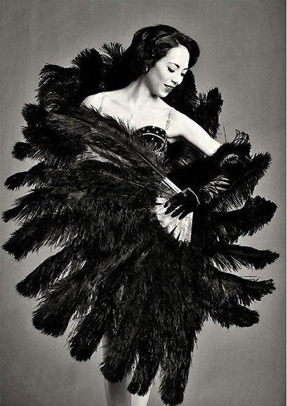Veruska Puff :: International Burlesque Performer :: Shows ...